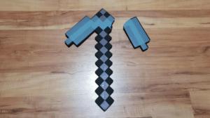 Broken pickaxe Gaming meme template